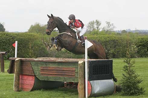 Hayley Rose riding Ardcavan Cavlier at Aston Le Walls 2010