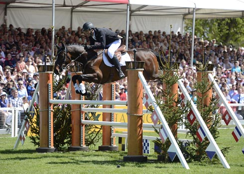 Jock Paget wins Badminton Horse Trials on Clifton Promise
