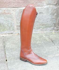 Petrie boot