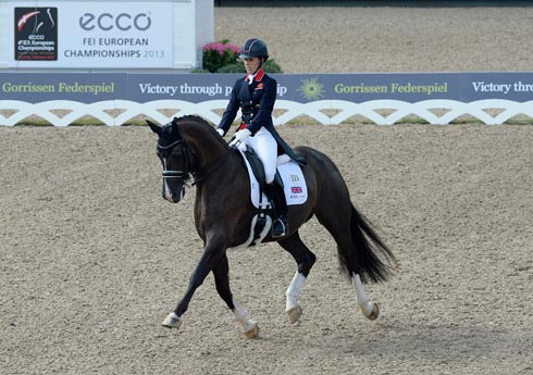 Charlotte Dujardin sets a new world record score for grand prix