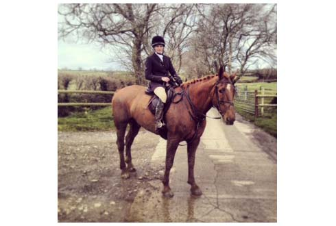 Rosie Fry hunting her father's 18hh hunter