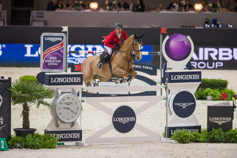 Pius Schwizer winning the speed leg of the Longines FEI World Cup Jumping Final 2014