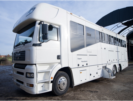Main exterior Horsebox