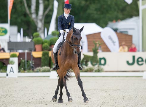Lucinda Fredericks and Flying Finish lead after dressage at Luhmuhlen