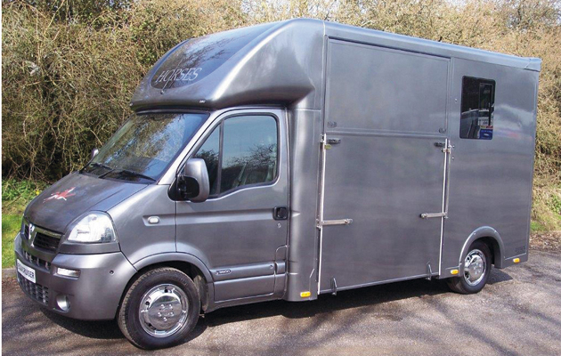 Lorries that are 3.5T are popular for self-drive horsebox hire