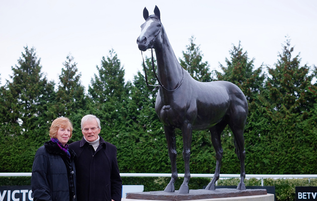 Kauto Star statue to be unveiled at Kempton - Horse & Hound