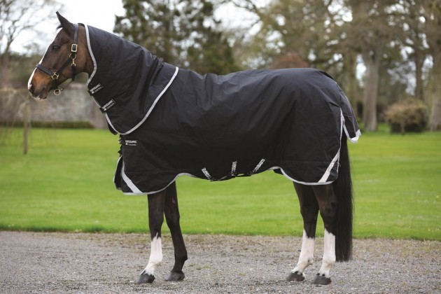 Best Medium Weight Turnout Rugs Rambo Supreme
