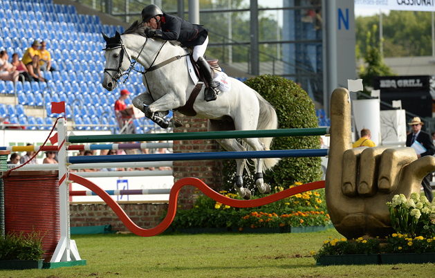 Aachen Europeans showjumping: Brits still in the hunt after dramatic day *VIDEO*