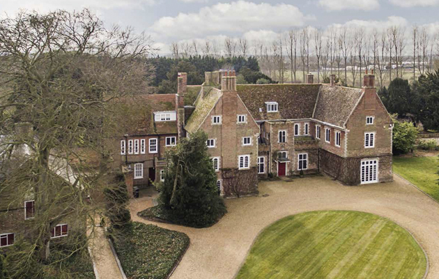 4 Equestrian Properties With Idyllic Gardens Pictures