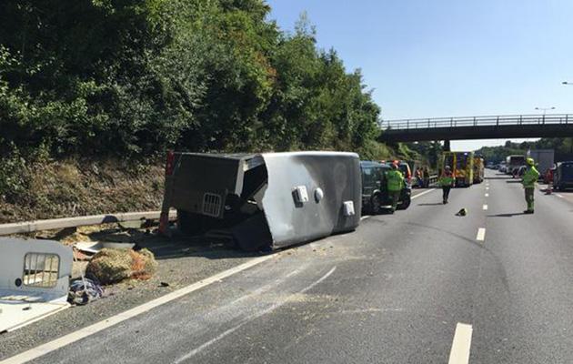 m25 trailer crash