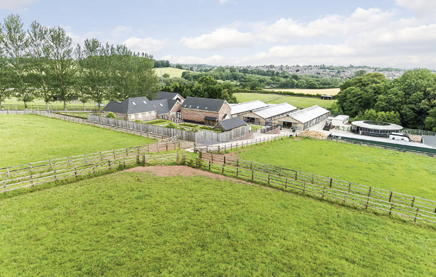 Equestrian Property To Rent Staffordshire
