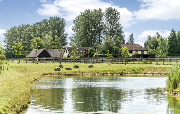 4 Equestrian Properties For Sale With Ponds Pictures
