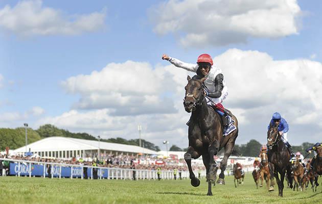 Golden Horn (red cap) beats Jack Hobbs to win the Derby 6-6-15