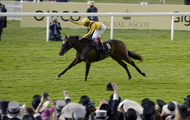 Wesley Ward's Lady Aurelia flies home seven lengths in front to help Frankie Dettori take two wins on day two