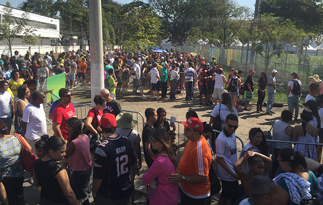 Crowds outside one of the Deodoro cluster venues