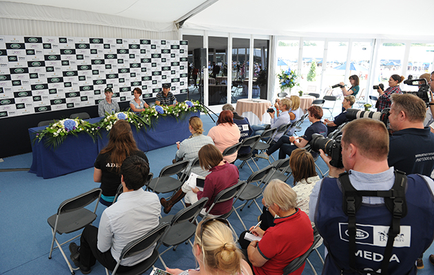 An equestrian press conference. The Naomi Osaka affair raises questions about athletes and media across different sports