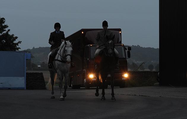 getting ready early morning horsebox box horse Albrighton&Woodland Autumn hunting from Chesswell Grange Nr. Newport Shrops. 24.09.13