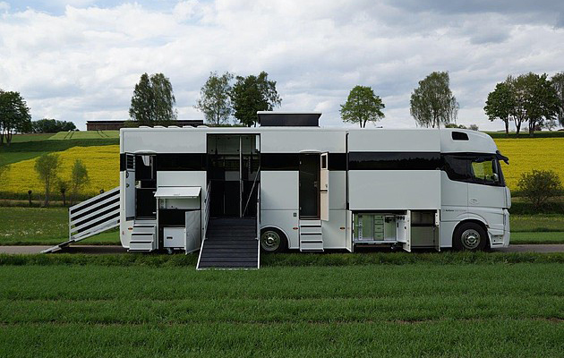 6 Horseboxes That Are More Luxurious Than A Five Star Hotel Horse Hound