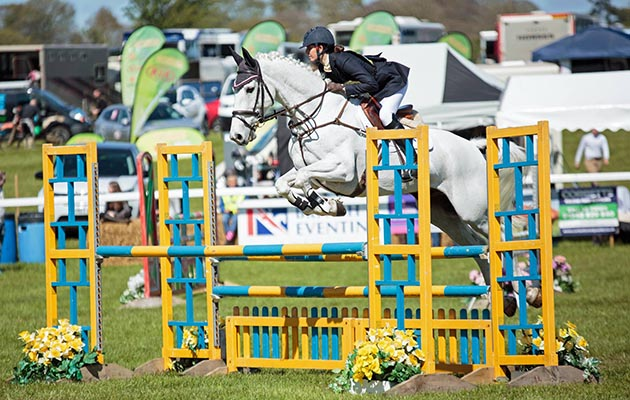 Bouncer showjumping at Kelsall Hill