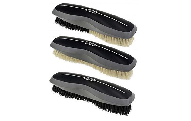 Best horse grooming brushes: Wahl body brush