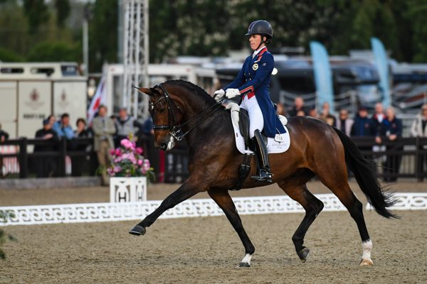 Charlotte dujardin and carl hester dominate royal windsor for Dujardin hugues