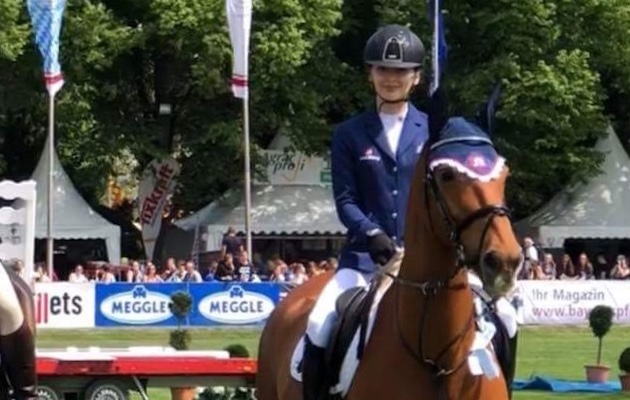 'Sit tight, I've got this': British para rider clears extra 1.50m fence in 90cm class