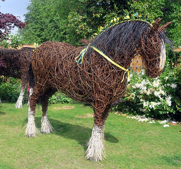 Life-size Shire horse made of willow goes viral online ...