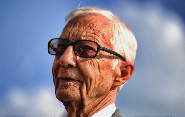 Lester Piggott admitted to hospital, but is 'bright and doing well'