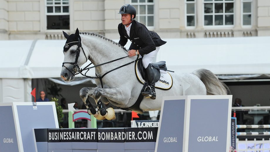 Elite showjumper returns to top level after losing an eye