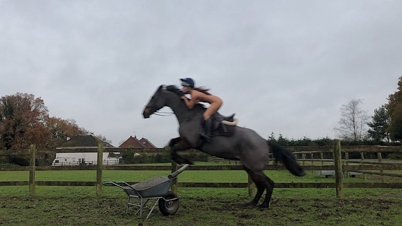 'I thought I'd give a walker a heart attack!': young rider strips off to raise safety awareness - Horse & Hound