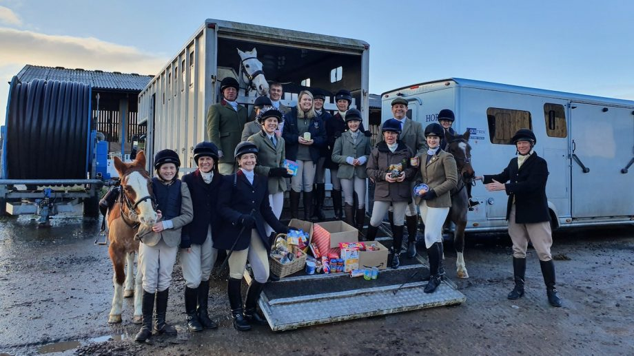 North Shropshire hunt foodbank donation