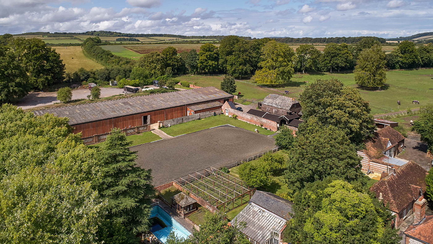 Fancy following in Mark Todd's footsteps in his former 22-box yard complete with 17th Century home and cottages?