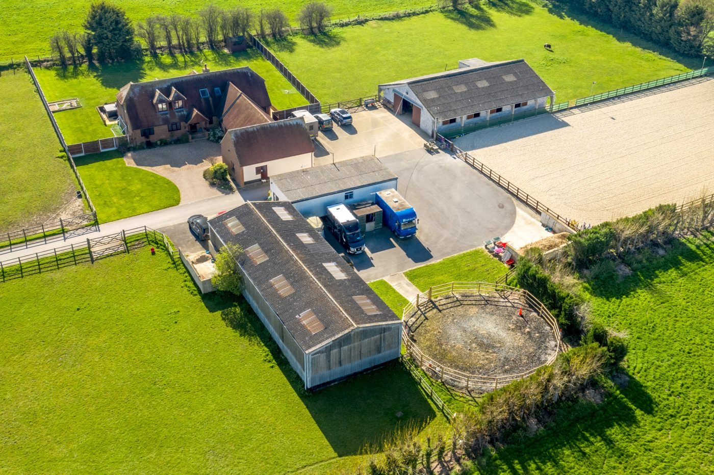 10 Indoor Stables An Outdoor Arena 14 Acres And A Rural Village Location For Less Than You D Expect Horse Hound