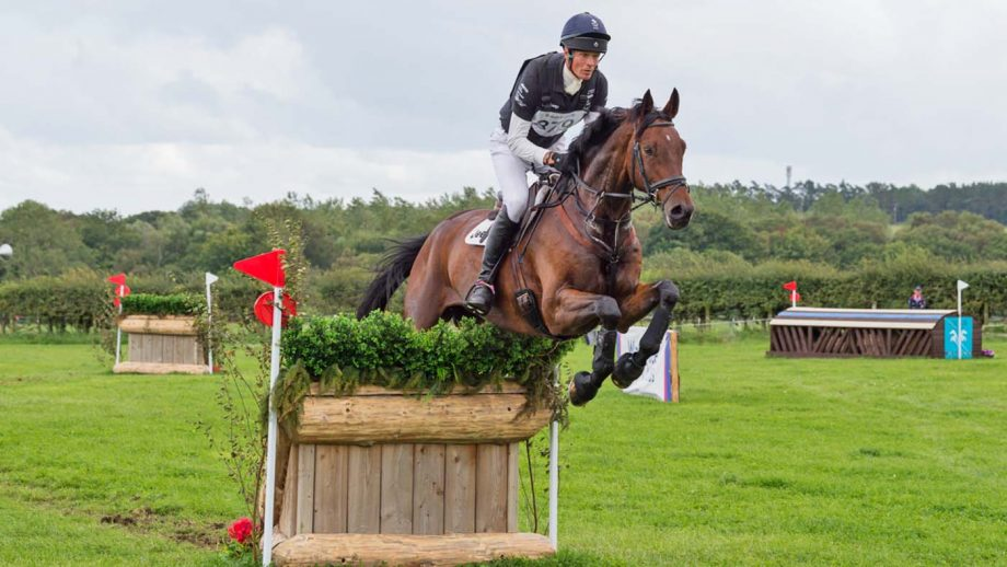 Willliam Fox-Pitt pilots five-star horse Little Fire, owned by his rider and Jennifer Dowling, to 13th place in section M. The pair added just time-faults to their strong dressage score of 23.4