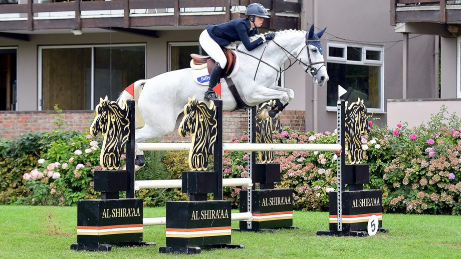 Nick Skelton's Billy Bilboa wins the five-year-old class: Hickstead jumping results Friday