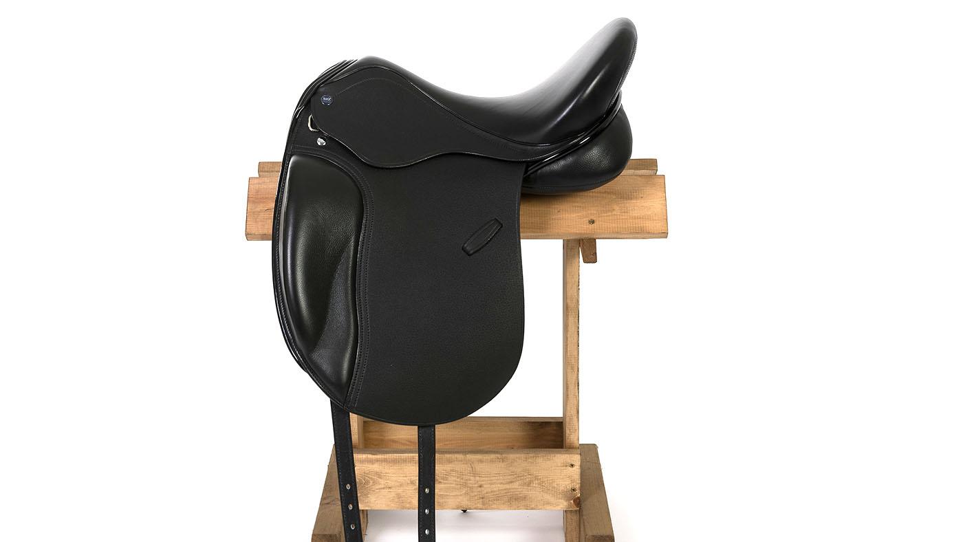 AMZ Avicii dressage saddle