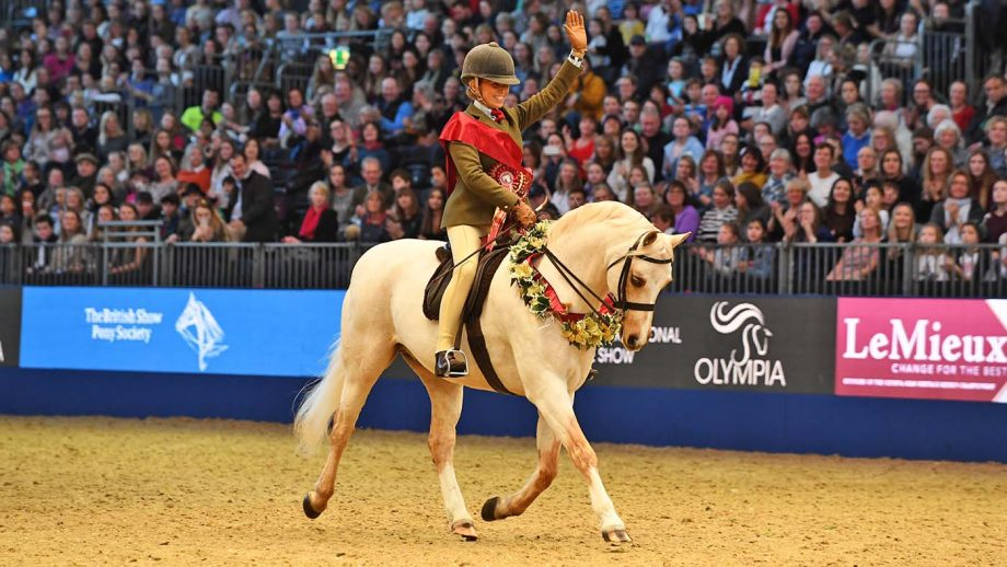 Katy Marriott-Payne riding Cadlanvalley Sandpiper at Olympia.