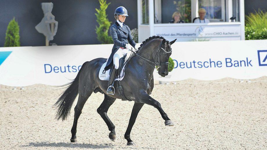 Lottie Fry riding Glamourdale at Aachen.