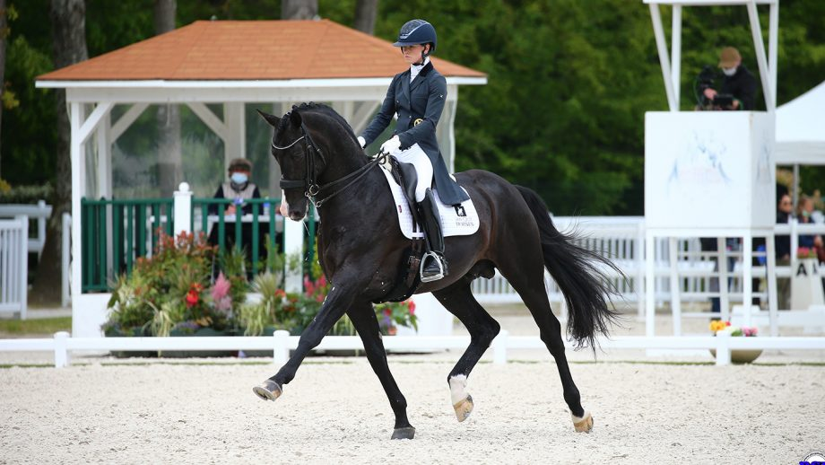 Lottie Fry riding Everdale at Compiegne CDI