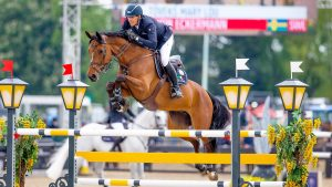 Henrik von Eckermann and Toveks Mary Lou on their way to winning the CSI5* grand prix at Royal Windsor 2019.