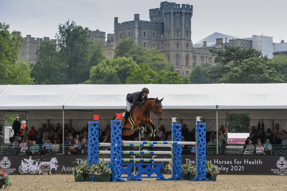 Ronnie Jones and Kaleche on their way to winning the Walwyn Novice Championship at Royal Windsor Horse Show 2021