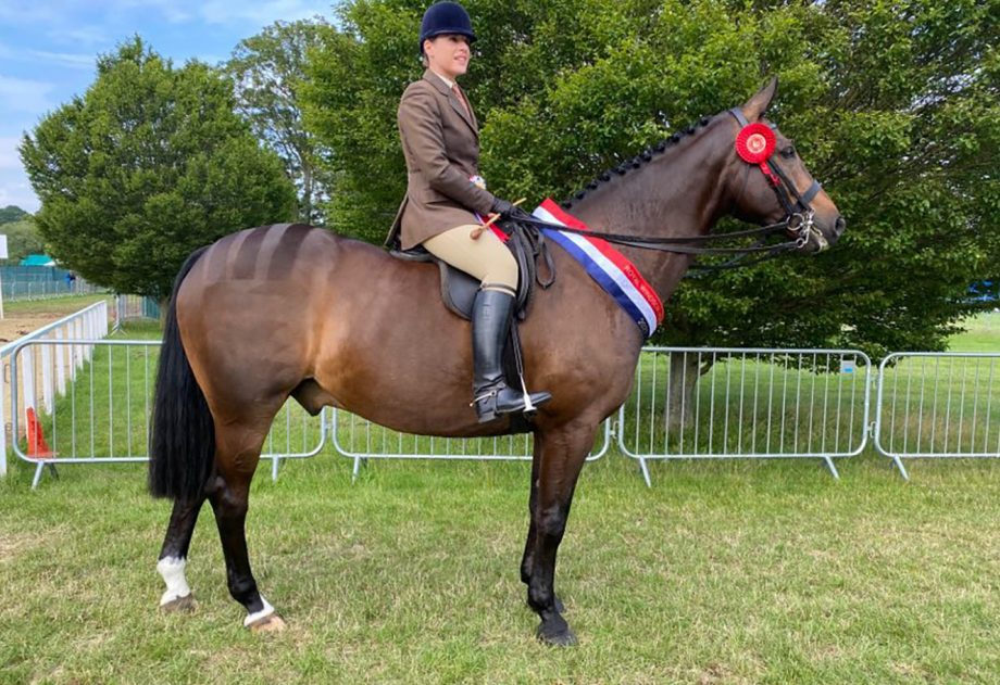 Lucy Lockwood and her own Chantilly Bojangles clinch the amateur hunter title at the 2021 Royal Windsor Horse Show