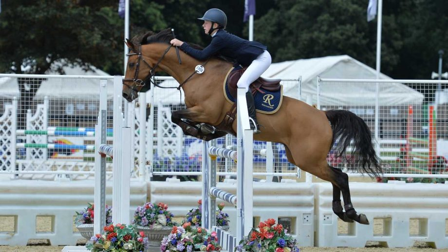 Izabella Rogers and Uncanny win the 148cm national title at the British Showjumping national championships 2021
