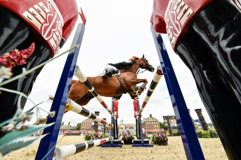 Tony Pearson and Fanta-Astic win the 1.15m speed class on day two of the London GCT