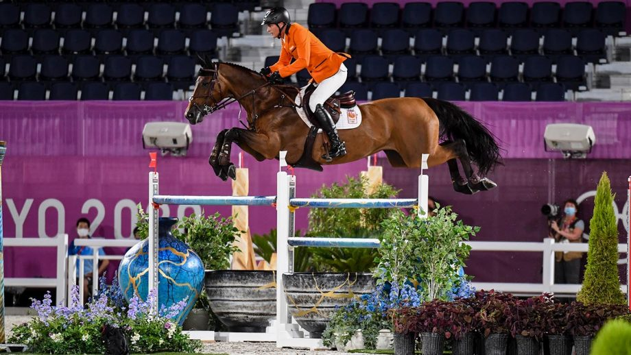 Marc Houtzager and Dante in the Olympic showjuming individual qualiier at the Tokyo 2020 Olympic Games