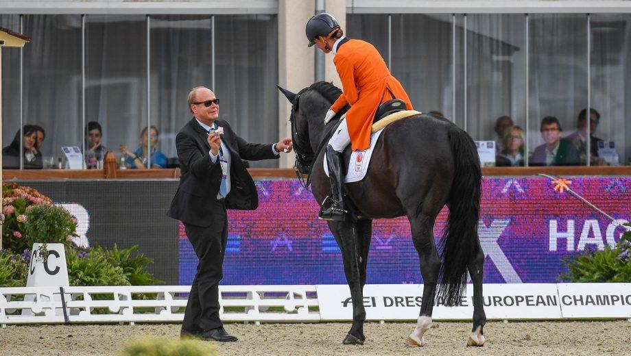 European dressage championships - Adelinde Cornelissen eliminated for blood