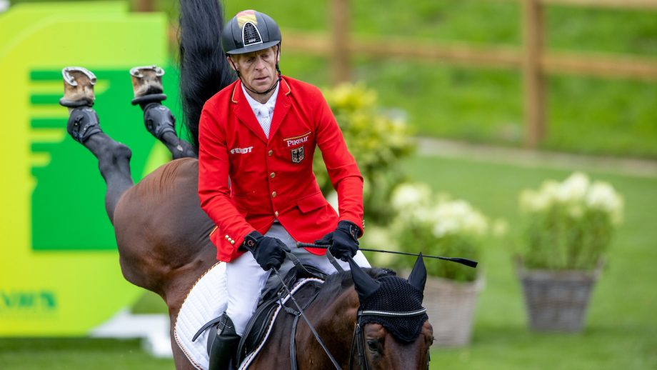 Marcus Ehning and Stargold riding at the European Showjumping Championships