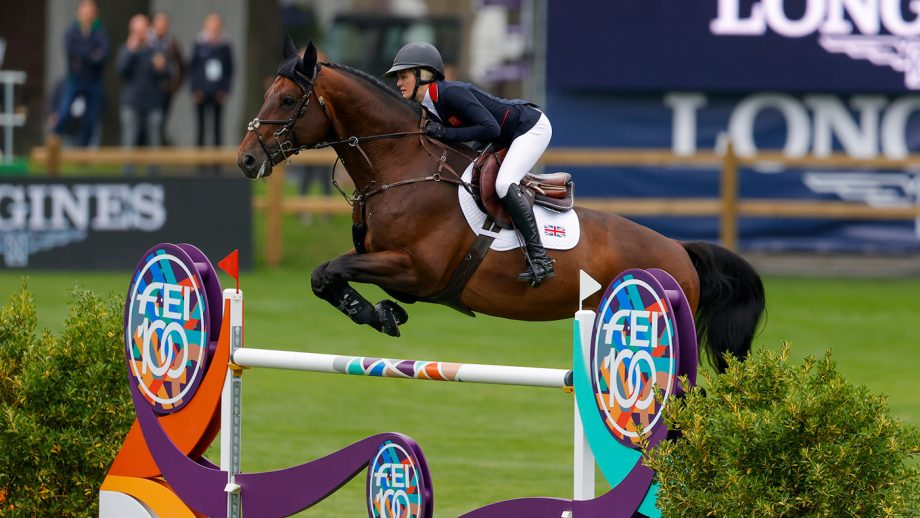 Georgia Tame riding Z7 Ascot in the first round of the European Showjumping Championships