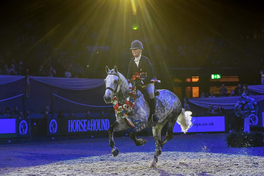 Woodfield Jovial Joker and Mollie Jeffrey win the 143cm working hunter pony of the year final at HOYS 2021