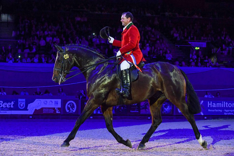 View Point and Robert Walker are hunter champions at HOYS 2021